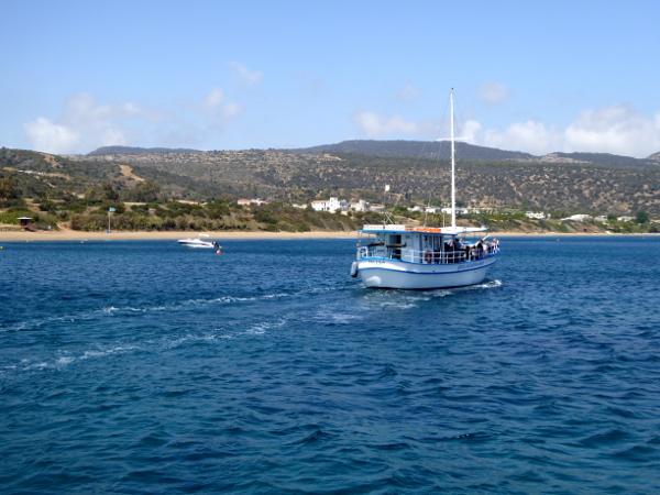 zypern-ausflug-ausflugsboote-blaue-lagune-freibeuter-reisen