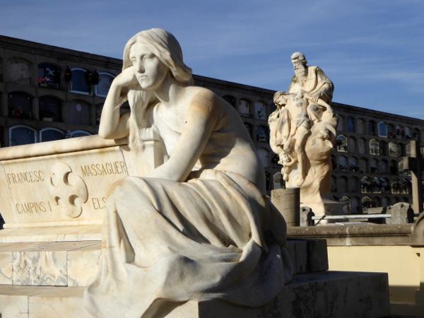 arenys de mar freibeuter-reisen-josep-llimona-statue