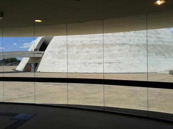 Brasilia Museo Nacional freibeuter reisen Brasilien.