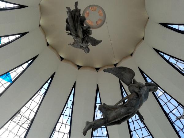 Engel in der Kathedrale Brasilia freibeuter reisen Brasilien