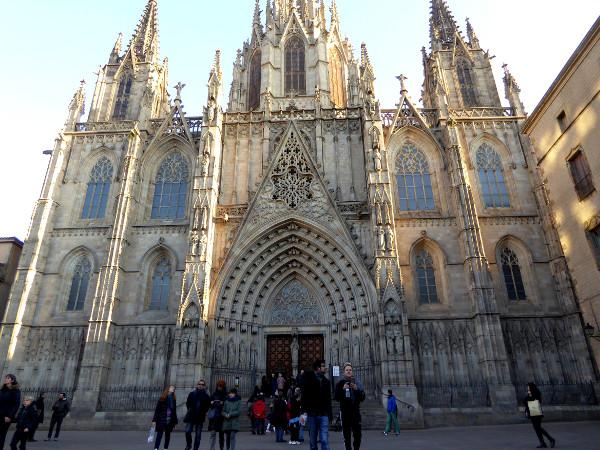 la-seu-kathedrale-barcelona-eintritt-freibeuter-reisen