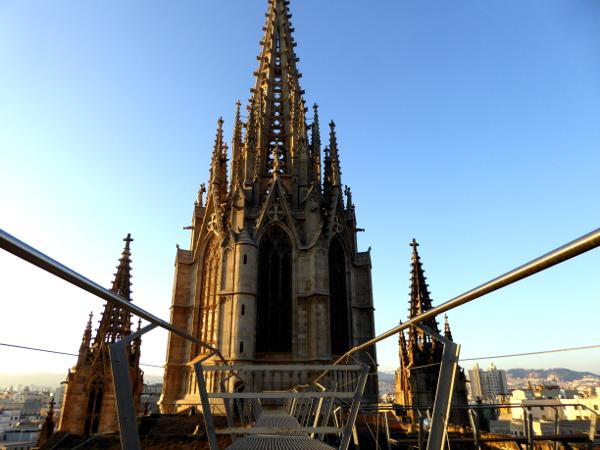 turm-kathedrale-barcelona-freibeuter-reisen