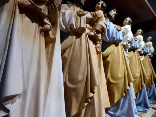 bemalung der heiligen figuren olot freibeuter reisen