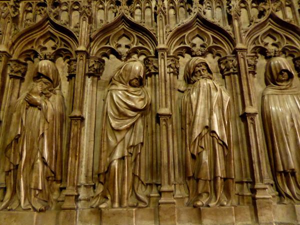 in-der-kathedrale-barcelona-freibeuter-reisen