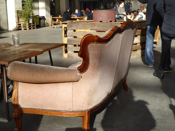 darwin sofa cafe restaurant bordeaux freibeuter reisen
