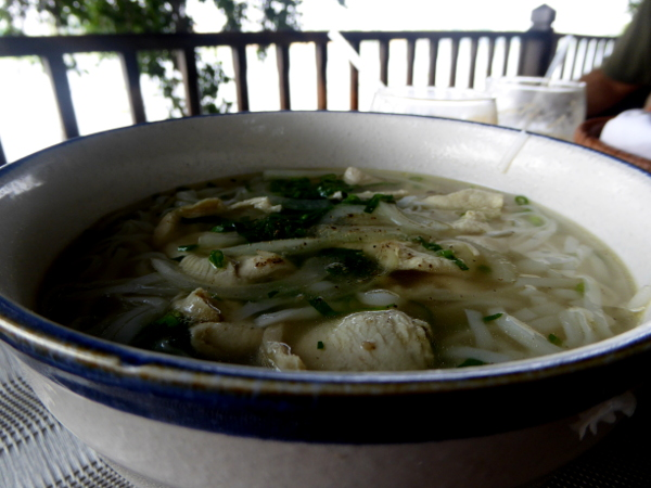 Saigon River an lam hotel Nudelsuppe