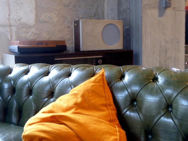 sofa resto darwin bordeaux freibeuter reisen