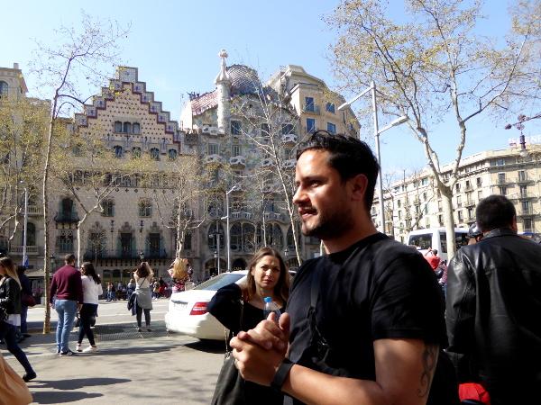 Deutschsprachige Fahrradtour Barcelona Casa Batllo freibeuter reisen