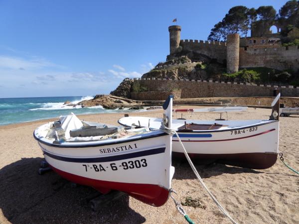 meine costa brava tossa de mar spaziergang mit freundinnen freibeuter reisen boote