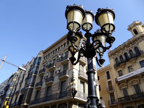 haus schirme las ramblas barcelona freibeuter reisen