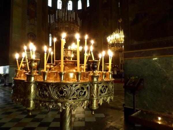 Sofia Kerzen in der Alexander-newski-kathedrale Bulgarien Freibeuter reisen