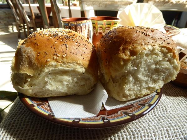 bulgarische kueche restaurant rodina brot freibeuter reisen