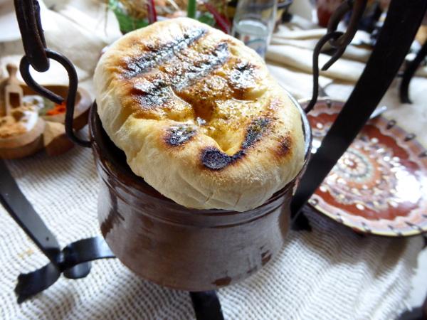 bulgarische kueche restaurant rodina lukovit schmor topf freibeuter reisen