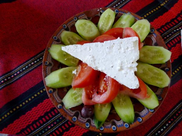 bulgarische kueche schopska salat mit schafskaese freibeuter reisen