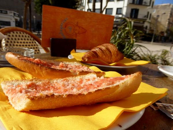 eivissa cafe tipp pan con tomate madagascar