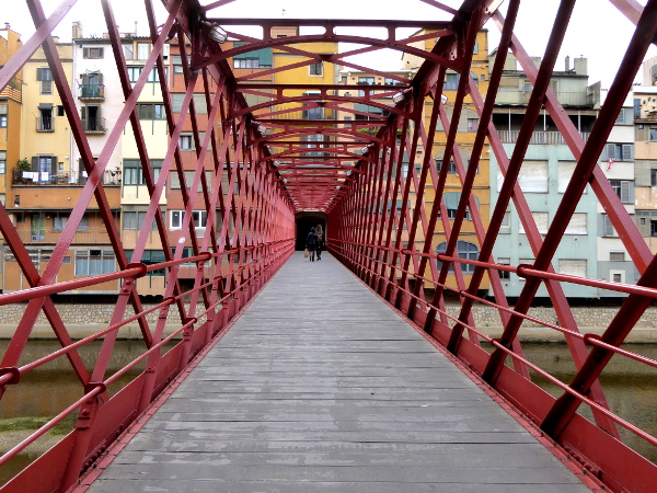 girona food tour pont vermeill rote bruecke freibeuter reisen