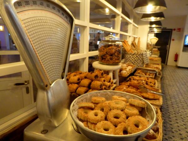 hotel delamar fruehstuecksbuffet lloret de mar freibeuter reisen