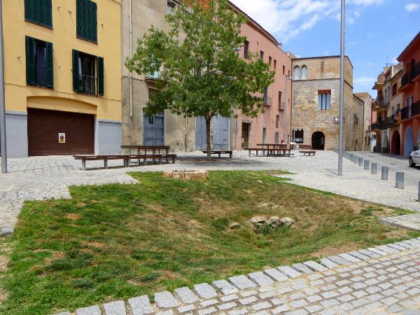 alter brunnen plaça sant jaume castello empuries freibeuter reisen