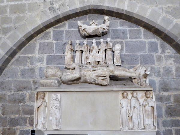 grab sarkophag santa maria castello d empuries freibeuter reisen