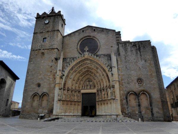 kathedrale emporda castello d - empuries fassade