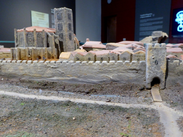 portal de la gallarda castello d empuries modell musseum freibeuter reisen