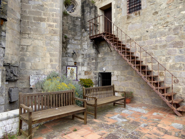 terrasse kirche santa maria castello empuries freibeuter reisen