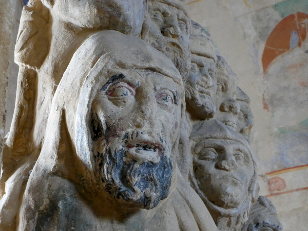 in der burg statue carcassonne freibeuter reisen