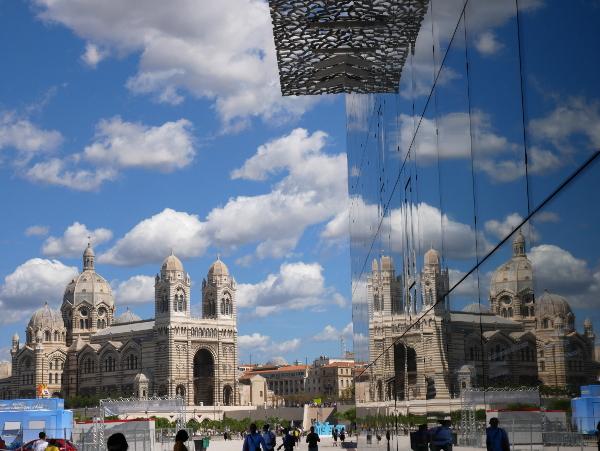 kathedrale mucem marseille hafen freibeuter reisen architektur