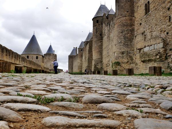 la cite de carcassonne aussen mauer freibeuter reisen