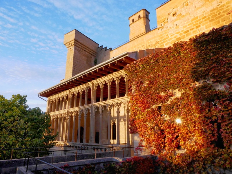 olite palacio real maerchenschloss navarra spanien