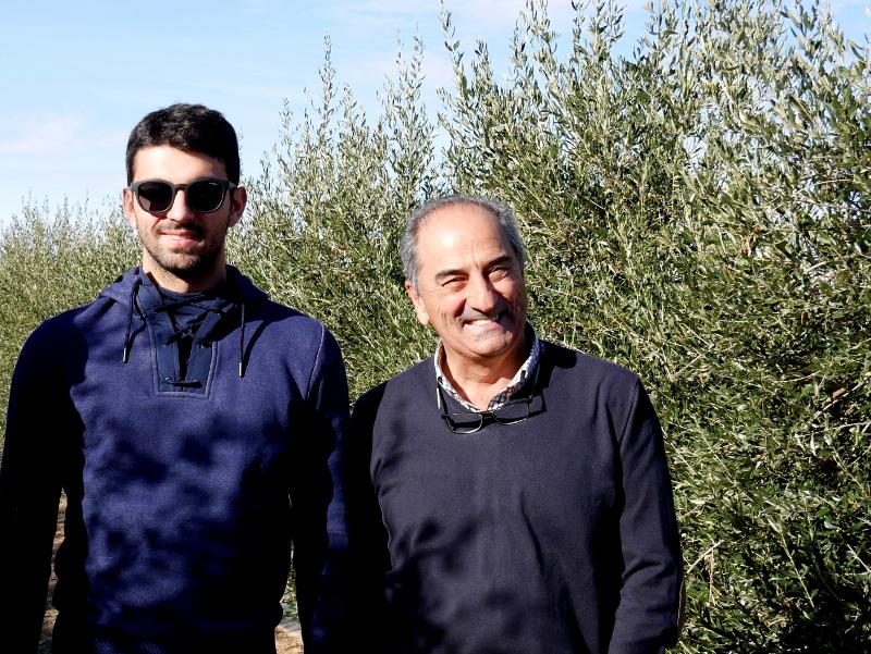 vater und sohn oliven aceite artajo navarra