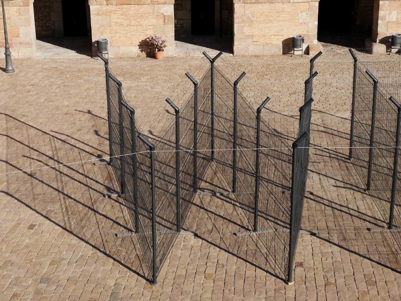 Kusntwerk installation welcome Castell Montjuïc Barcelona