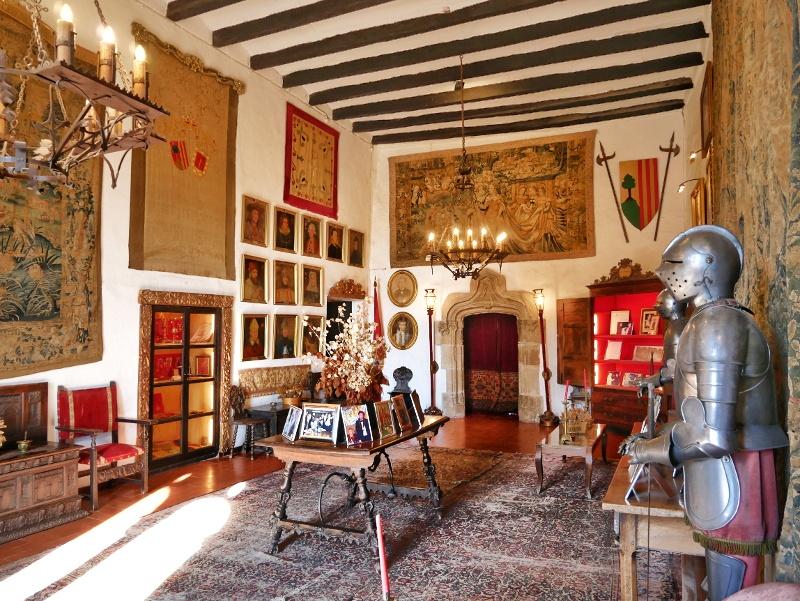 castell de montsonís burg saal