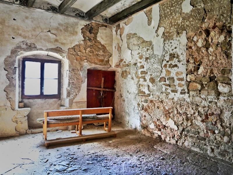 klsoter verlassen lsot places castell de montsonís