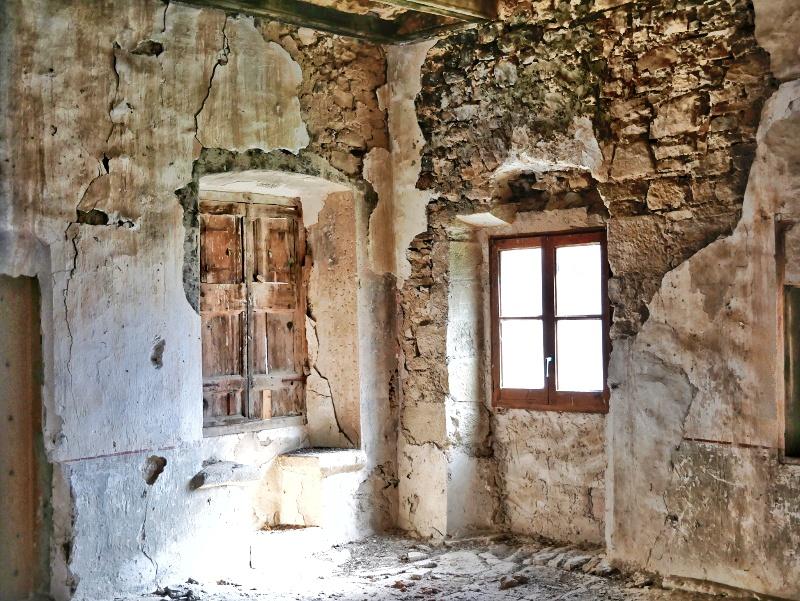 santuari lost place castell de montsonís