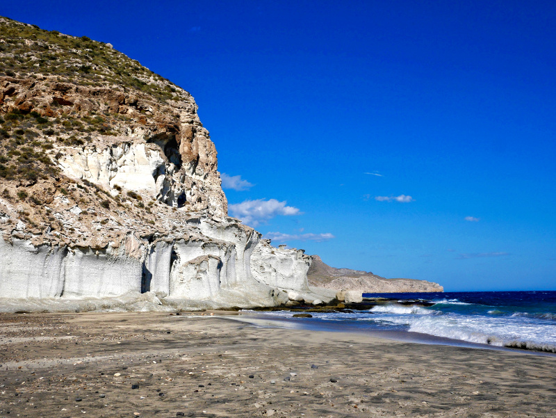 cabo de gata felsen weiss playa enmedio