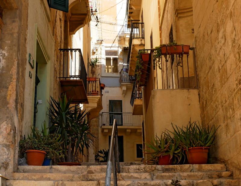 birgu three cities malta treppe