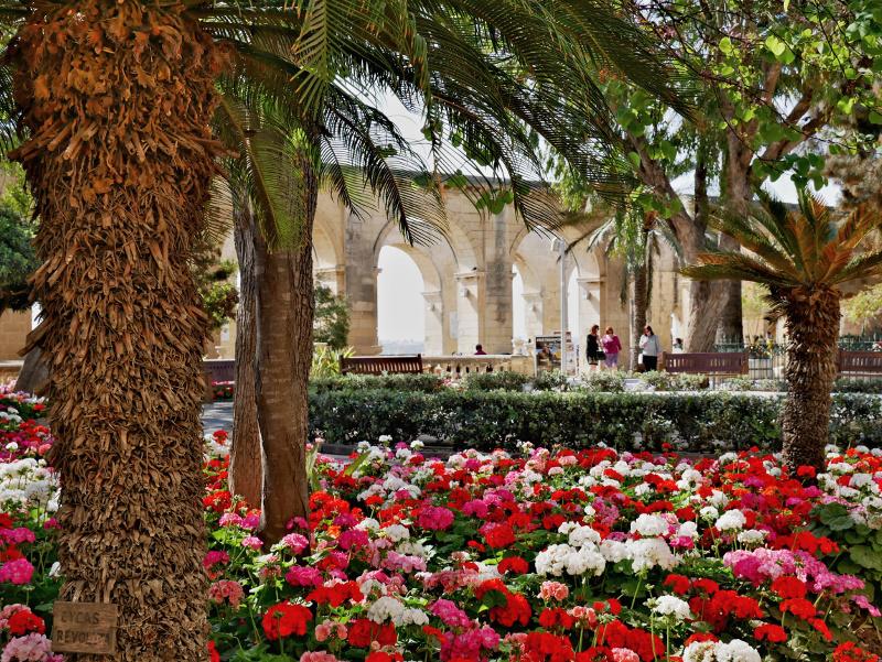 valletta upper barrakka gardens