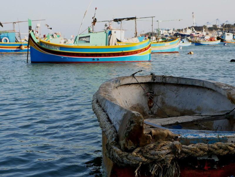 altes boot seil fischerboot luzzu marsaxlokk malta