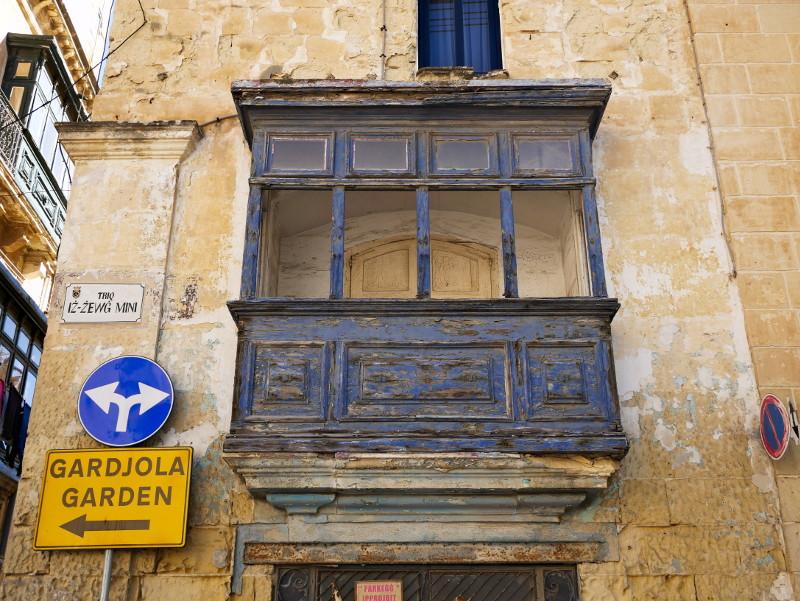 blauer balkon birgu three cities malta