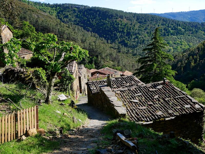 schieferdorf portugal Cerdeira village aldeias do xisto