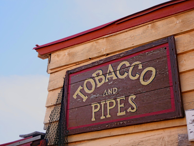 tobaco and pipes Popeye village auf malta