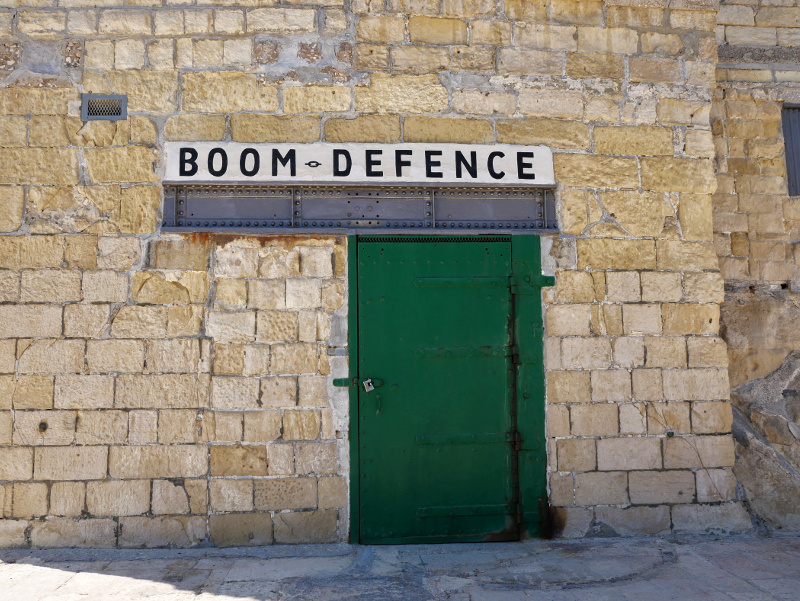valletta boom defence