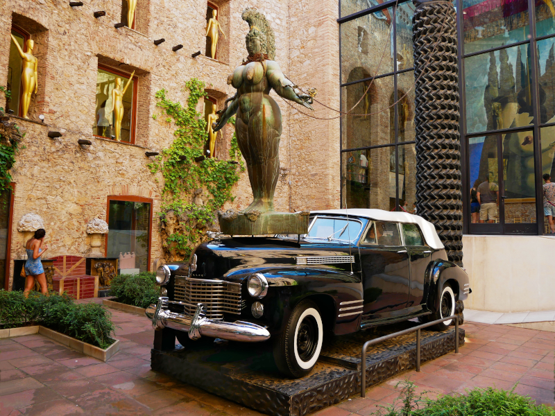 dali museum figueres rainy taxi