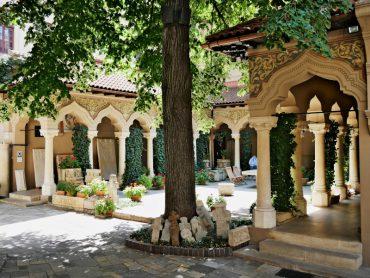 kloster kirche hinterhof bukarest