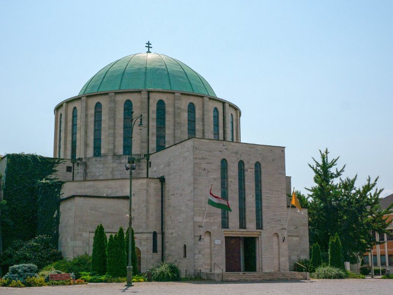 katholische kirche mohacs ungarn