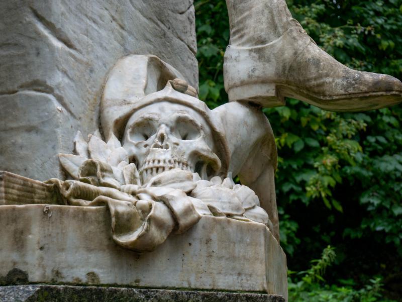 schaedel shakespeare statue park an der ilm weimar