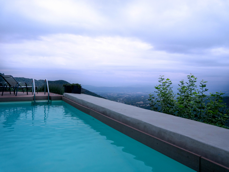 swimming pool montseny hotel can cuch freibeuter
