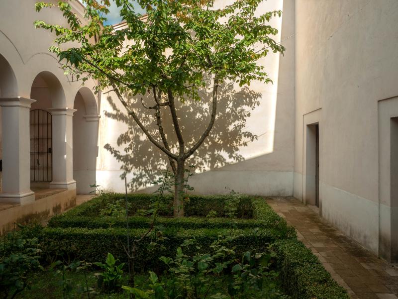 escaladei kloster Kartäuser Priorat zelle innenhof