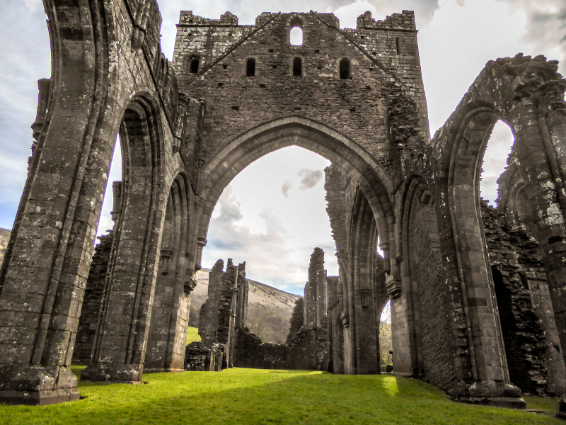 Llanthony Abbey wales the cambrian way